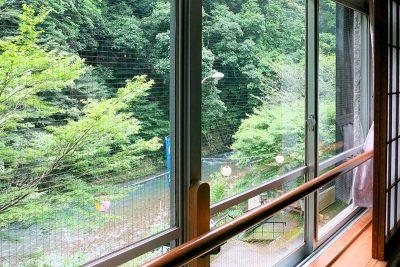 和室8畳 窓からの景色